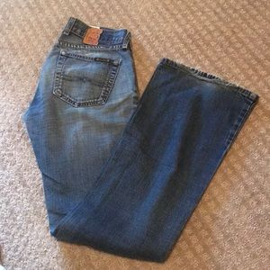 2 button fly straight leg lucky jeans